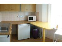 Studio flat near Poole Quay for 1 person.