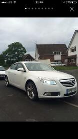 White Vauxhall insignia 2.0 litre cdti