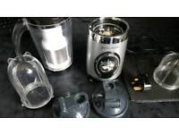 blender/juicer with 2 to go cups
