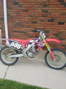 2012 Honda CRF 250r Dirtbike - Great Condition