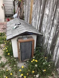 Dog/cat house for free