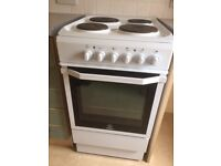 Electric Indesit freestanding cooker in excellent condition