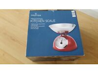 Retro Kitchen Scales -Red weighs up to 5 KG