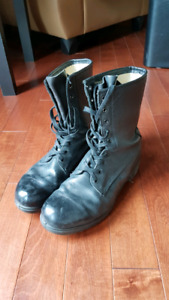 Size 10 / 9.5 black boots (mens) motorcycling