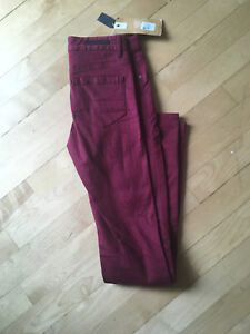 Brand new size 25 Jeans :)
