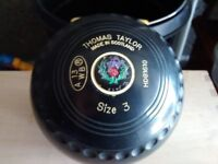 4 Taylor Vector Size 3 Lawn Bowls in Very Good Condition