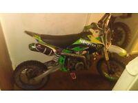 Monster yx140cc pit bike