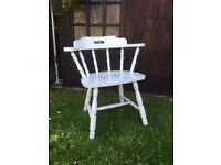 VINTAGE WOODEN CHAIR