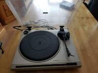 Pioneer PL-120 Vinyl Turntable/record player