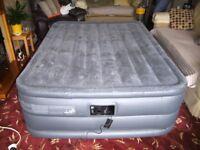 INTEX deluxe air bed