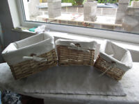 Set of 3 wicker storage baskets with liners