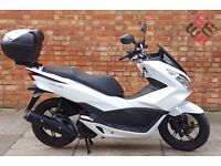 Honda PCX 125 (16 REG), Mint condition with 561 miles