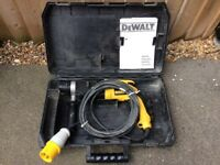 110V DEWALT DW 566L - XW ROTARY HAMMER DRILL COMPLETE WITH CARRY CASE