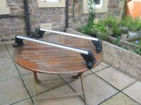 Seat Leon Mk1 1995 roofbars. These are genuine Seat roofbars as new with 4 keys