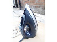 Tefal Maestro Steam Iron 2200 W. Black. Like NEW
