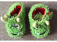 Boys Velcro Green Slippers Infant Size 5
