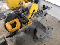 Dewalt 250mm compound sliding mitre saw