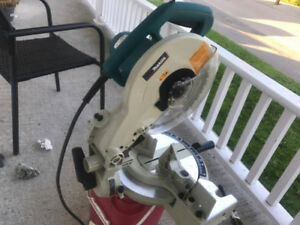 MAKITA 10-inch Compound Mitre Saw