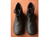 MENS STEEL TOECAP WORK BOOTS-SIZE 11