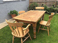 Lovely rustic solid pine farmhouse 5x3ft dining table with 4 solid wood chairs