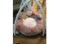 Babys teddy bear playmat