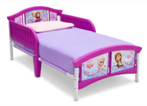 Frozen toddler bed WITH mattress MINT CONDITION