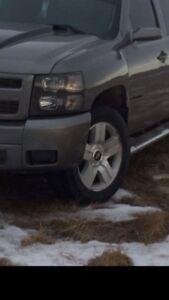 "20"" Factory Chevy Rims  6 bolt. Off 2008 Silveraldo"