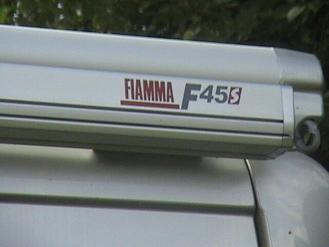 FIAMMA F45S WINDOUT AWNING FITTING KIT FOR VIVARO TRAFFIC