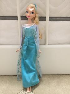 Elsa barbie doll in EUC