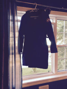 Ladies Blue Canada Goose Long Wnter Jacket