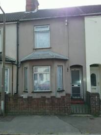 North Lowestoft 3 seperate double bedroom property on Worthing Road NR32 4HA