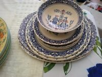 SUPERB COLLECTION OF OLD JOHNSON BROTHERS HEARTS AND FLOWERS DINNER SERVICE