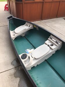 Sun Dolphin Canoe (Excellent used condition)