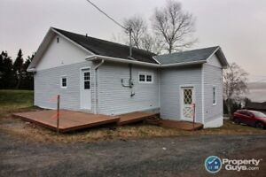 Great Starter home, freshly renovated. WATERVIEW!!!