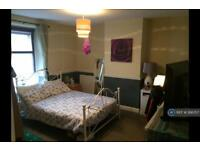 3 bedroom flat in Cowbridge Road East, Cardiff, CF11 (3 bed)