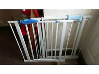 2 pressure extention safety gates