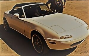 1990 Mazda MX-5 Miata Coupe (2 door)