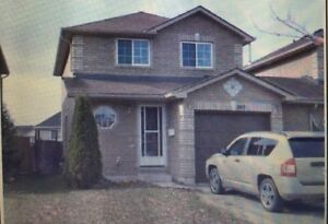 NATHAN CRES IN SOUTH BARRIE..3-BED..3-BATH!