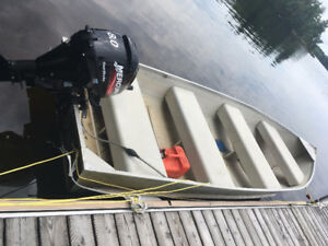 14 Foot Aluminum Boat with 8 HP, 4 Stroke Mercury Motor