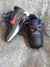Converse & Nike trainers (preloved) £3