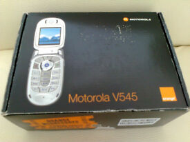 MOTOROLA V545 - Classic Flip Phone BRAND NEW !