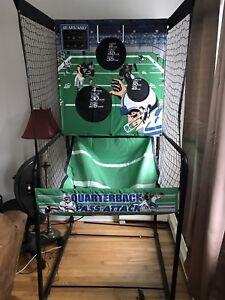 Fun arcade football throwing game