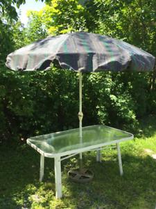 table extérieur avec parasol