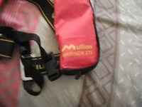 Mullion Mariner275 life jacket and beacon light