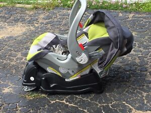 Baby trend car seat and base