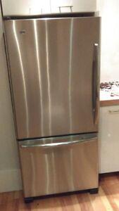 Réfrigérateur  MAYTAG inox