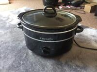 Slow cooker