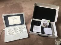 MacBook A1181 Core 2 Duo 2GB, 120GB Snow Leopard Included