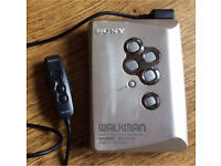 Sony Walkman WM EX505 vintage cassette player