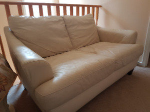Excellent Ivory Italian Leather set